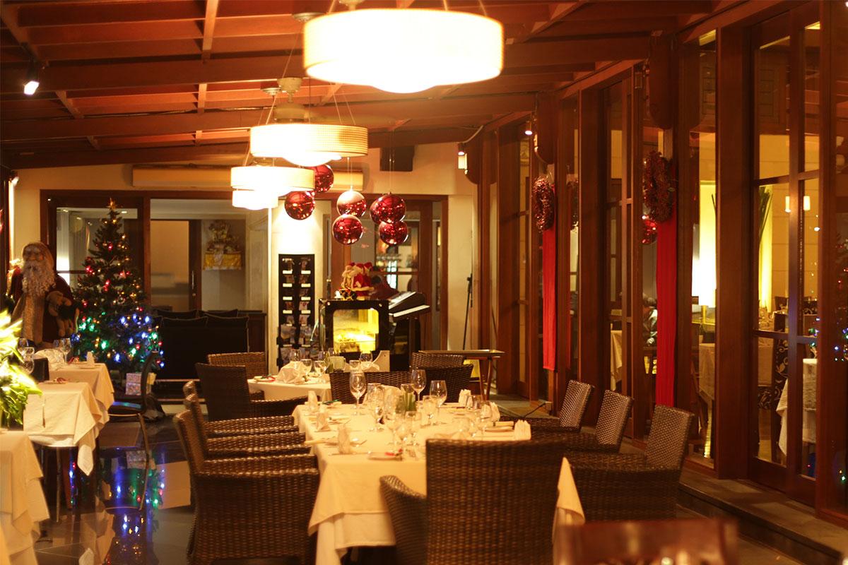 The Village - Restaurant (1)